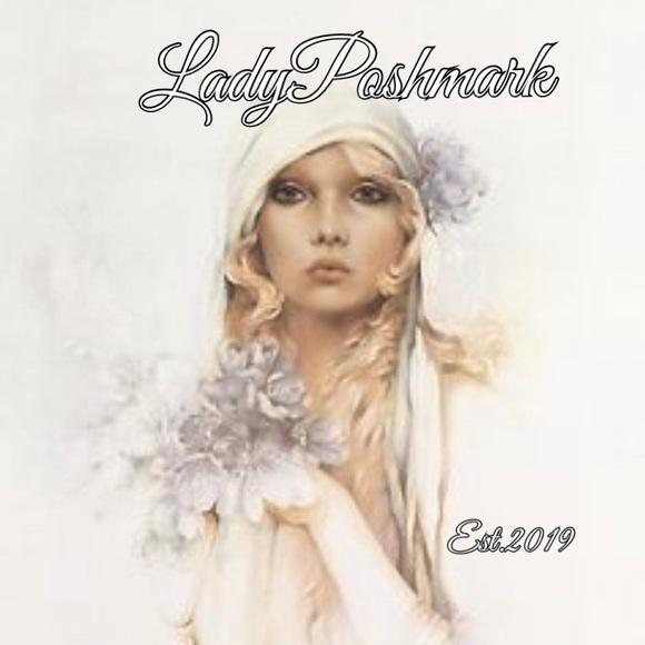 LadyPoshmark Reseller